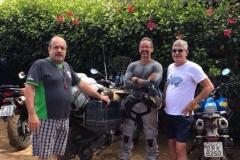 Hospedes com suas motos na Pousada Villa Nakara1
